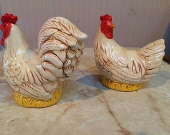 Vintage Chicken Hen Rooster Salt and Pepper Shakers - Great Condition