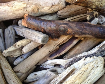 "Bulk Maine Beach Driftwood for Crafting 150 Pieces 2"" - 8"" Long"