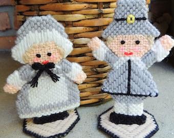 Thanksgiving Miniature Pilgrim Couple/Thanksgiving Center Table Décor/Vintage Wool Knit Figurine Pilgrim Couple/Wool Hand-knit Autumn Decor