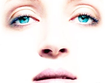 "Visage Collection - Uma Thurman - Edgy - 24"" x 24"" Canvas Art Poster"
