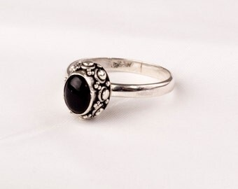 Vintage Silver ring with  Fine Onyx gem.