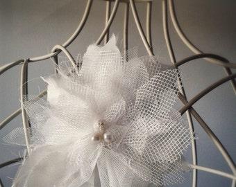 Romantic Pearl brooch