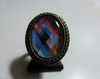 Ring of retro style patterned in blue tones