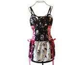 Black et White Skulls Astral robe avec dentelle rose jusqu'à côtés