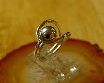 Hugged Dome Ring