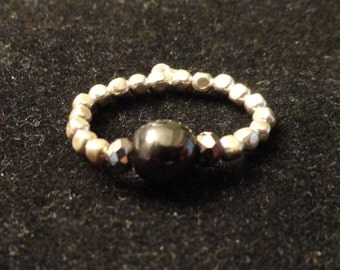 Black onyx stretch bead ring