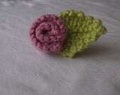 Pink flower brooch, green leaf, knitted brooch