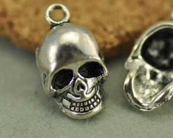 10pcs Antique silver Skull Charm Pendants Findings (#3010002)