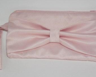 Clutch bow purse