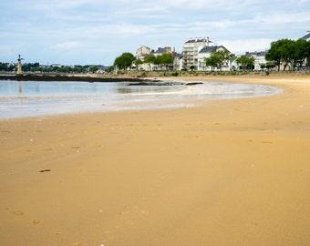 Large Sandy Beach Shore Saint Nazaire WW1 Statue Canvas Art Wall Art Picture