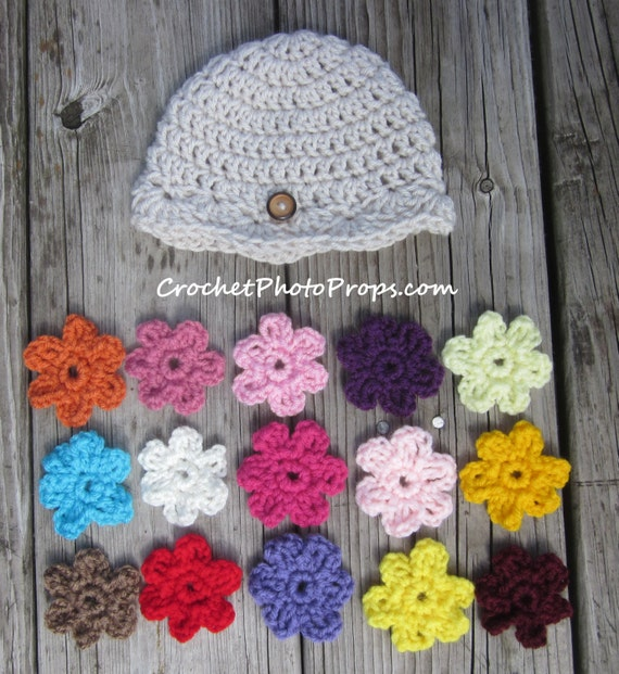 Interchangeable Crochet Flower Pattern : Baby Girl s Hat with 15 Interchangeable Crochet Flowers ...