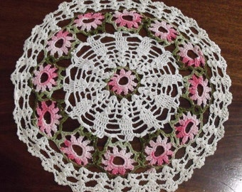Vintage hand crocheted flowered doily FREE SHIPPING in USA