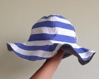 Reversinle Tulip Hat