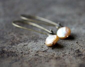 Strawberry Blonde Pearl Earrings, Natural Freshwater Pearl Dangles, Pearl Drop Earrings, Antiqued Brass Earwires, Handmade Jewelry