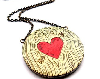 Woodgrain Red Heart and Arrow Necklace. Wood You Love Me - Faux Bois Jewelry. Anniversary Gift. Wood Grain Jewelry. Woodland Wedding