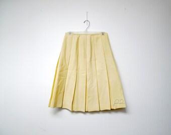 """CREAM CATTRALL vintage pleated wool skirt . small to medium . 28"""" waist"""