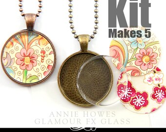 Wedding Bouquet Charm DiY Kit. 1 Inch Clear Circle Glass Pendant Kit with Pendant Trays, Glamour Seal, and 5 Matching Ball Chains. Makes 5.