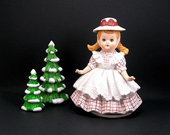 """Girl Music Box, Plays """"It's a Small World"""", Heidi Girl, Bisque Ceramic, Vintage c1970s, Musical Collectible, Hat, Pinafore Dress"""