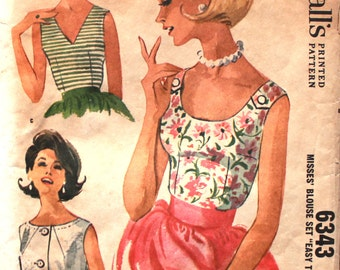 1960's Blouse in 3 Versions Bust 32