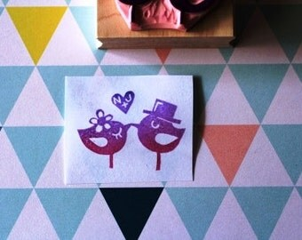 Custom initial wedding rubber stamp with two birds //hand carved and hand crafted