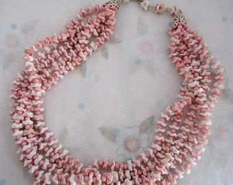 vintage Japan pink and white wavy flower bead multi strand necklace - j5467