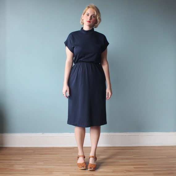plus size dress / navy cap sleeved dress / 1980s / xl