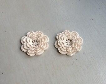 Crochet Flowers Appliques 118.13 - Round Flowers in Beige Color  - 4 Layers - 8 Petals -  2 pcs
