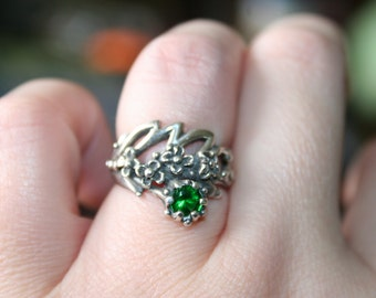 SALE...Vintage Sterling Silver flowers GREEN  quartz stone Ring Twig Diorama  Stunning in size 5 3/4