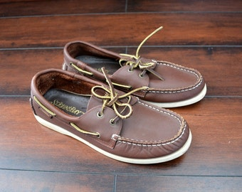 SALE // Size 6/6.5 //BOAT SHOES // Classic - Brown - Leather - Preppy - Vintage '90s.
