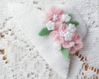 Felt White Bonnet / Hat Brooch / Pin / Broach with Light, Pastel Pink Felt Flowers, Pearly White Glass Bead Flowers, Glass Beads