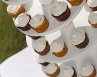 Cupcake Stand Holds 200 Cupcakes
