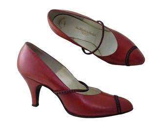 Vintage RARE Florsheim Shoe Salon Chicago 30s 40s Women Pumps // Rescued and Restored // Red Black Mary Jane High Heels // Size 5 B //