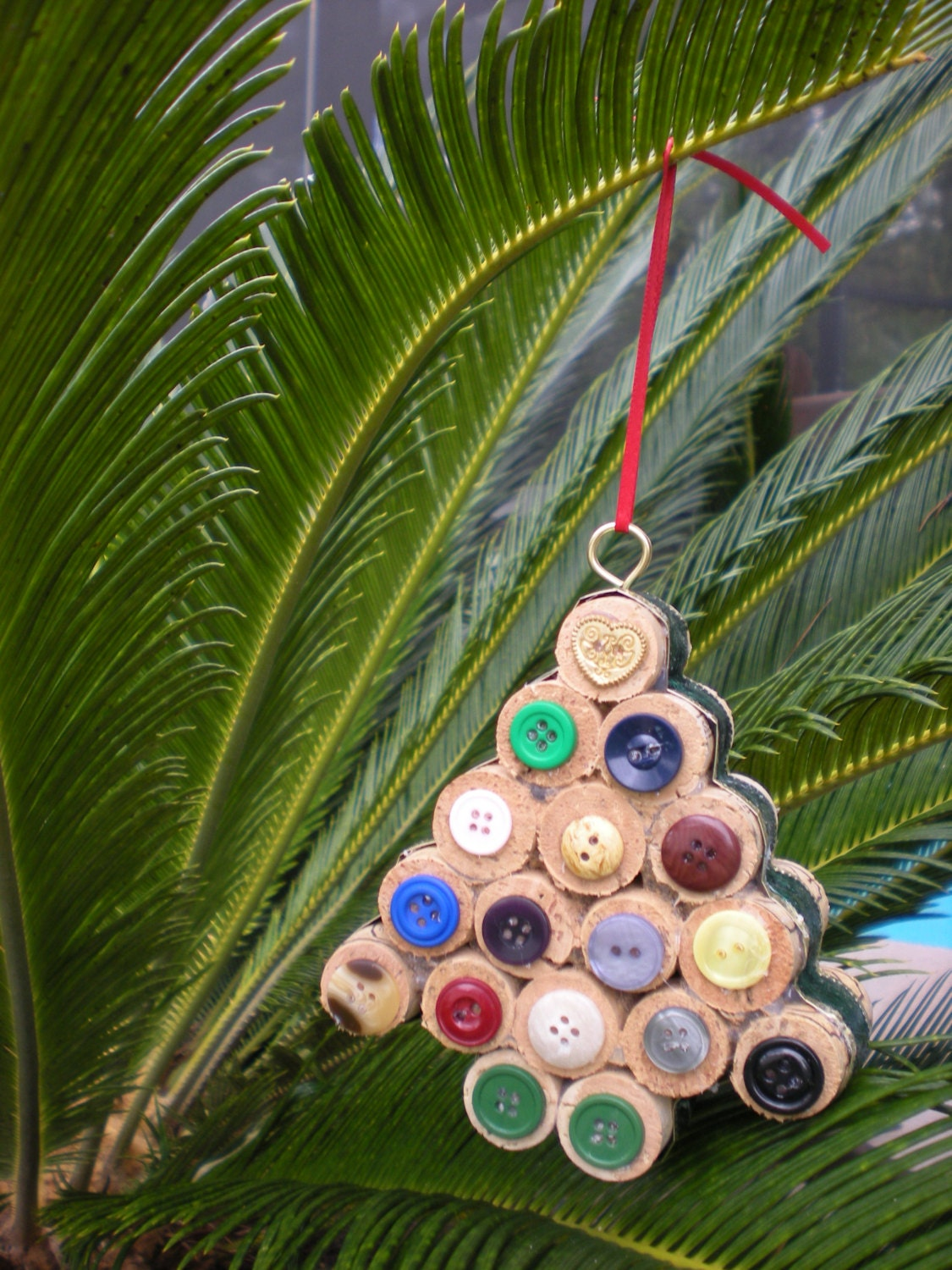 wine cork christmas tree ornament by craftycooper on etsy. Black Bedroom Furniture Sets. Home Design Ideas