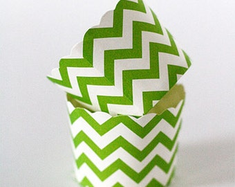 Cupcake Baking Cups, 20 Green Chevron Paper Cups, Cupcake Cups, Candy Cups, Paper Cupcake Liner, Nut Cups, Baking Supplies, Standard Cupcake