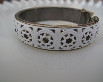 Vintage White and Silver Enamel Hinge Bracelet with Safety Chain Estate Find