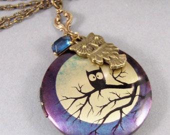 Midnight Hoots,Vintage,Brass Locket,Locket Art,Owl Necklace,Owl,Blue,Sapphire,Birthstone,Locket,Antiqued Locket,Moon,Midnight,Rhinestone