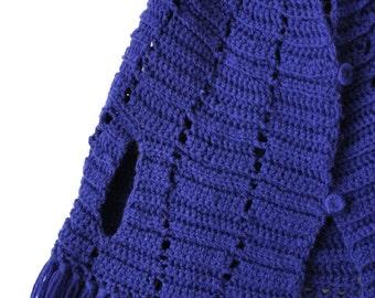 SALE Vintage 70s Girls Navy Knit Cape