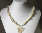 Moonstone chip necklace w...