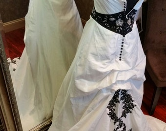 Stunning Vintage Goth Black and White Wedding Dress