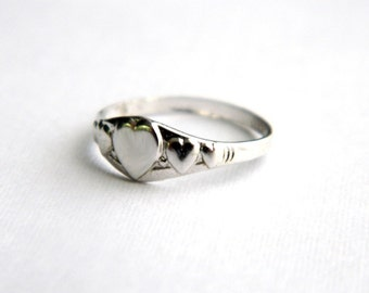Vintage Sterling Heart Sweetheart Ring - Band - Initial Engraveable - Adult Child Girl Baby - Uncas - New Old Stock