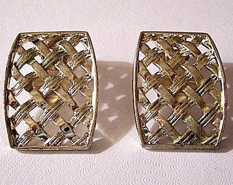 Basketweave Square Clip On Earrings Gold Tone Vintage Open Lattice Layered Bands Raised Rimmed Curved Edges