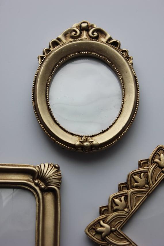 set 10 vintage style mini gold picture frames assorted table. Black Bedroom Furniture Sets. Home Design Ideas