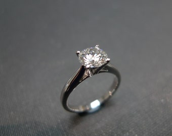 Classic Diamond Engagement Ring in 18K White Gold (1.00ct., F/SI2)