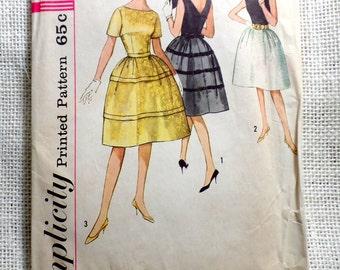 Vintage Pattern Simplicity 4595 1960s Rockabilly prom dress new look full skirt Bust 32 Formal Low Back Prom Wedding Bell skirt
