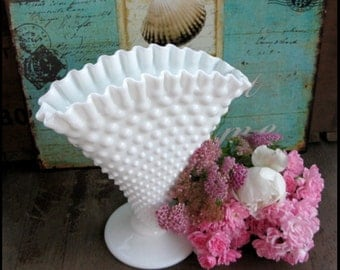 Vintage Fenton Milk Glass Vase/ Wedding Centerpiece/ Fenton Fan