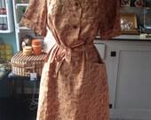 Vintage Brown Floral Butt...