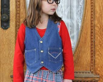 Vintage 70s Boys or Girls MONTGOMERY WARD Denim Western Button-Front Vest - Size 7