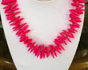 1980s Hot Pink Lucite Disks Necklace