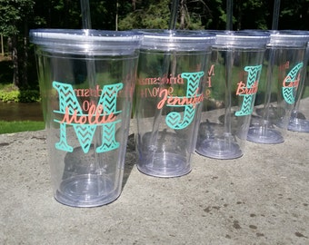 Chevron monogram bridesmaid tumbler, Acrylic double  with monogram, name and date,  title.  Bridesmaid gift idea, Maid of Honor. 1 glass