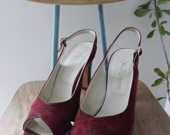 80s Saks Fifth Avenue red suede sandals, size 6.5